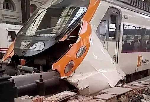 Zugunglück in Barcelona: Mehr als 40 Verletzte