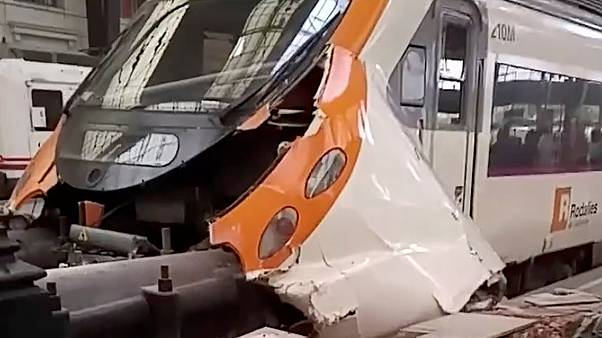 Dozens hurt in Barcelona train crash