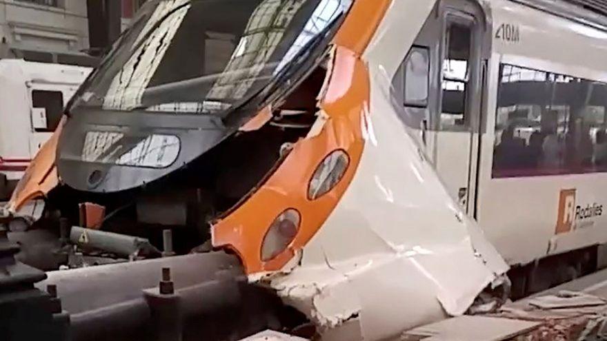 Zugunglück in Barcelona: Zahlreiche Verletzte