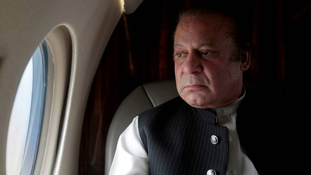 رئيس وزراء باكستان نواز شريف يستقيل