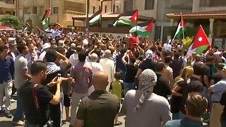 احتجاجات عارمة في الأردن للمطالبة بإغلاق السفارة الإسرائيلية بعمان