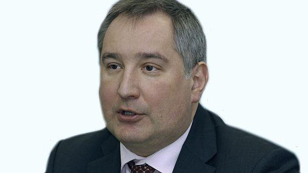 رومانيا تمنع نائب رئيس الوزراء الروسي من عبور مجالها الجوي