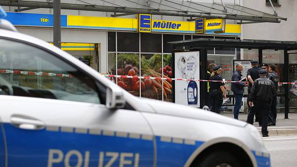 Exclusive: Eyewitness films capture of Hamburg supermarket attacker