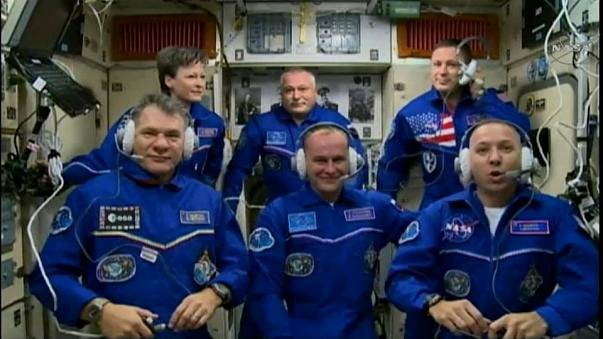Neue Crewmitglieder auf der ISS angekommen