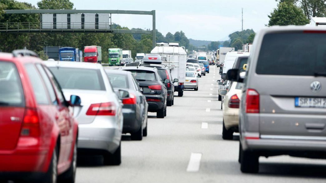 Avrupa'da yoğun tatil trafiği