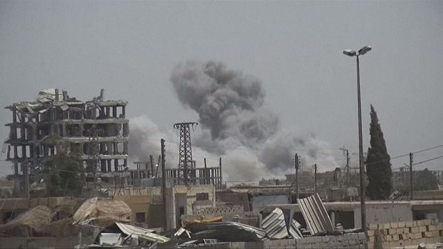 La coalición bombardea Raqa, último baluarte islamista en Siria