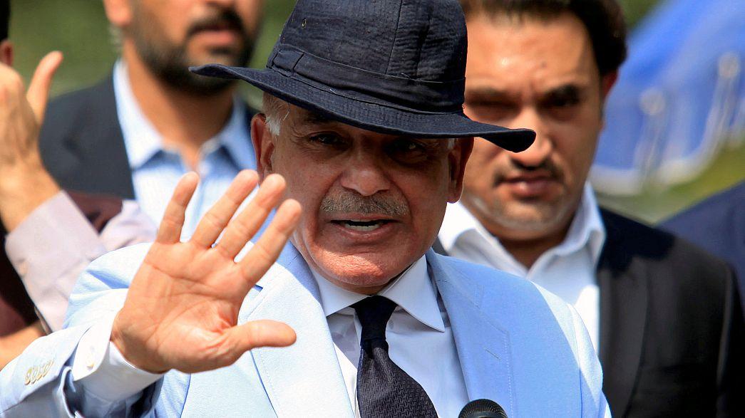 Pakistan: il fratello del premier Sharif scelto come successore