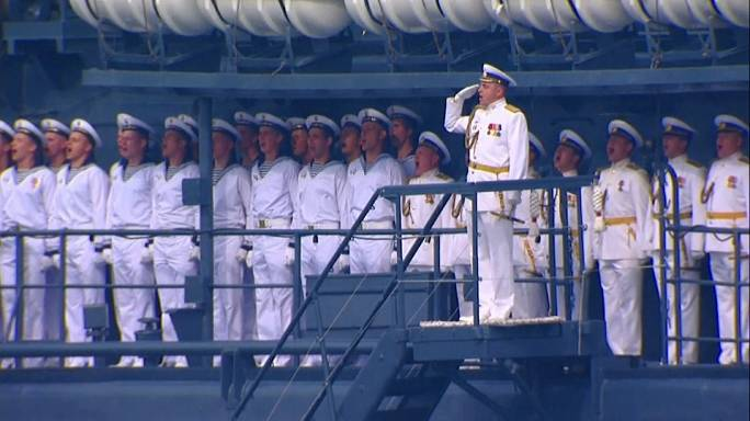 Russia in display of naval might