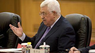 قلق إسرائيلي على الوضع الصحي لمحمود عباس