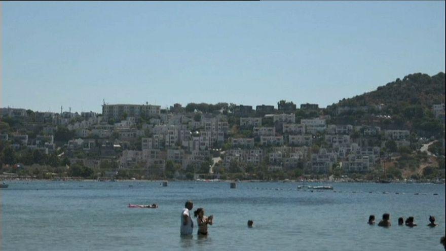 Türkische Mittelmeerküste: Mann schießt in Strandclubs um sich
