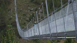 494 Meter: Längste Hängebrücke der Welt im Oberwallis eröffnet