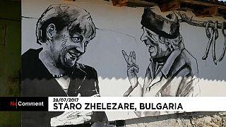 Sokak sanatçıları ıssız köyü grafitilerle renklendirdi