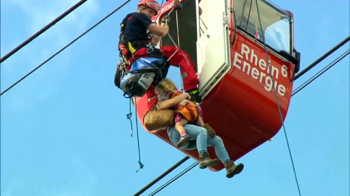 Acidente com teleférico obriga a resgate espetacular na Alemanha