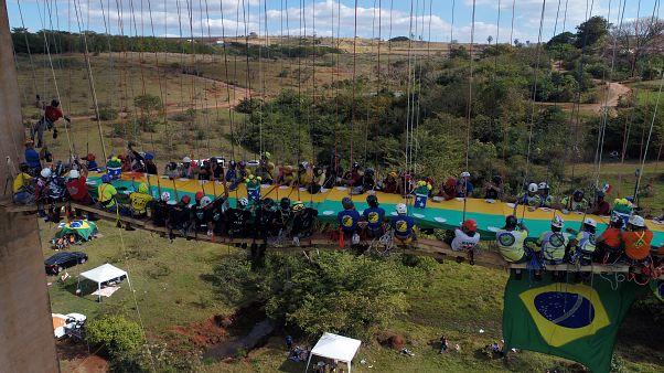 Brésil : le plus grand barbecue suspendu au monde