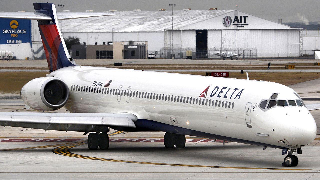 Delta cuts back on reclining seats