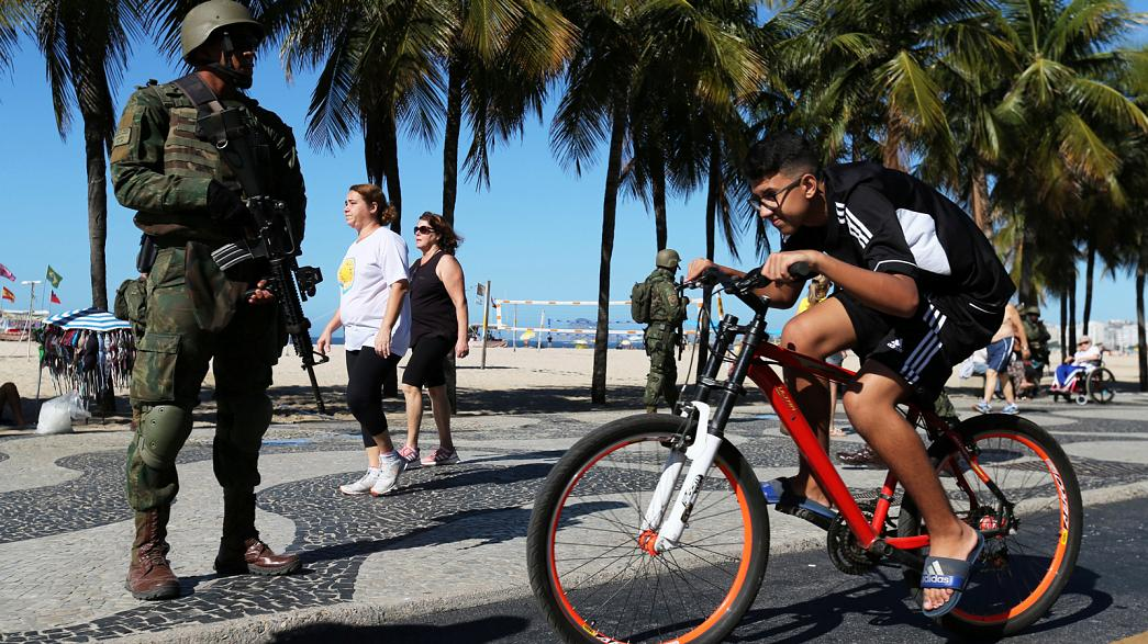 Troops on streets of Rio to fight organised crime