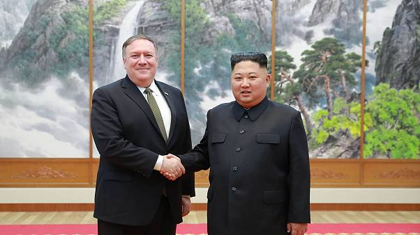 Image: Mike Pompeo and Kim Jong Un in 2018