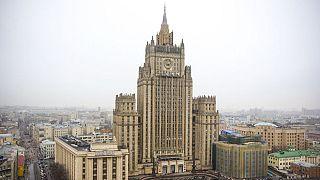 فعالیت ۷۵۵ دیپلمات و خدمه مراکز دیپلماتیک آمریکا در روسیه متوقف میشود