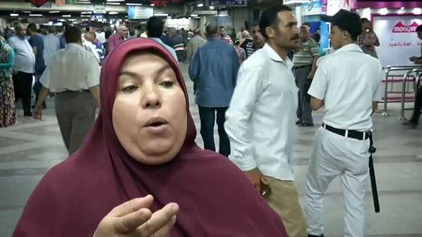 """المصرية التي """"أخرست أوباما"""" تدافع عن """"كشك الفتوى"""""""