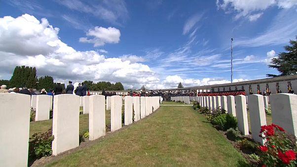 Az első világháború áldozataira emlékeztek a Tyne Cot temetőben