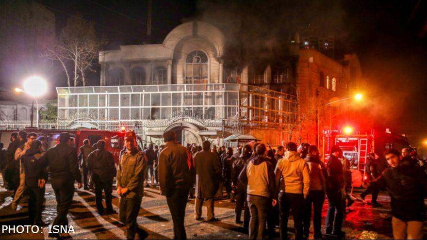 السعودية تتهم طهران بالابتزاز