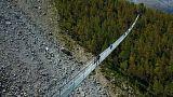 سويسرا تدشن أطول جسر معلق للمشاة في العالم