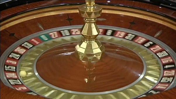 Receitas dos casinos de Macau continuam a aumentar