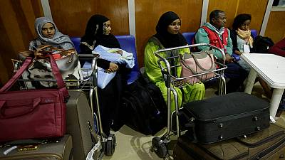 Thousands of Ethiopians return home from Saudi Arabia