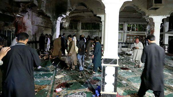 عشرون قتيلا على الأقل في تفجير بمسجد في هرات غرب افغانستان
