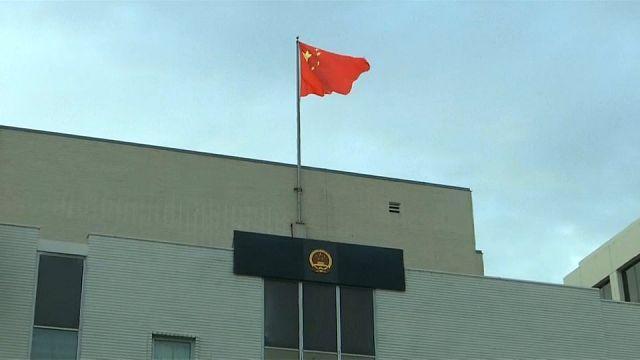 رجل يفتح النار داخل القنصلية الصينية في لوس انجليس قبل أن يقتل نفسه