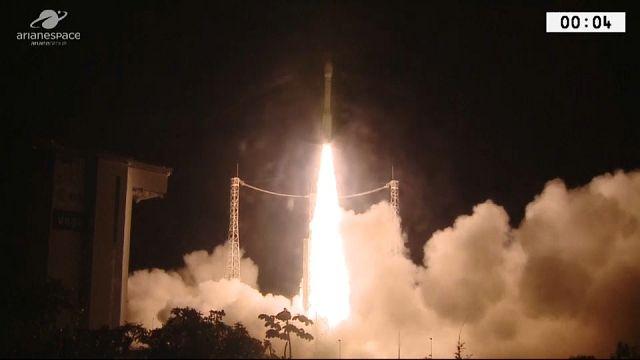 Beobachtungssatelliten ins All geschossen