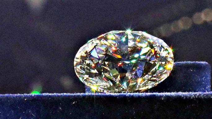 Versteigerung kostbarer Diamanten-Sammlung in Russland