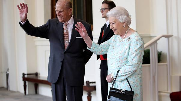 65 ans à suivre la reine, le prince Philip mérite sa retraite