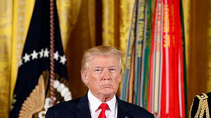 Donald Trump firma el proyecto de ley que endurece las sanciones a Rusia