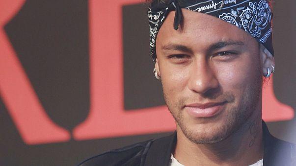 Neymar em Paris como Figo em Madrid há 17 anos
