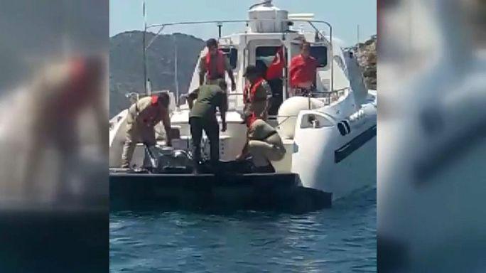 Marmaris'te gezi teknesi battı