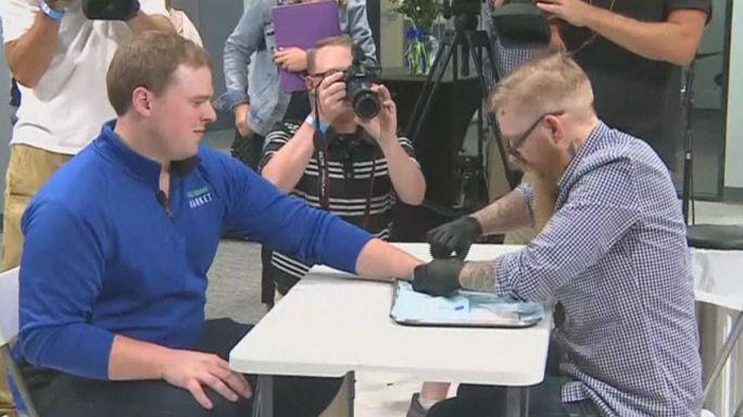 Mikrocsipeket tett alkalmazottai kezébe egy amerikai vállalat