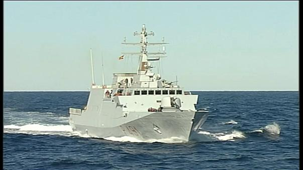 Италия: военный корабль - на борьбу с мигрантами