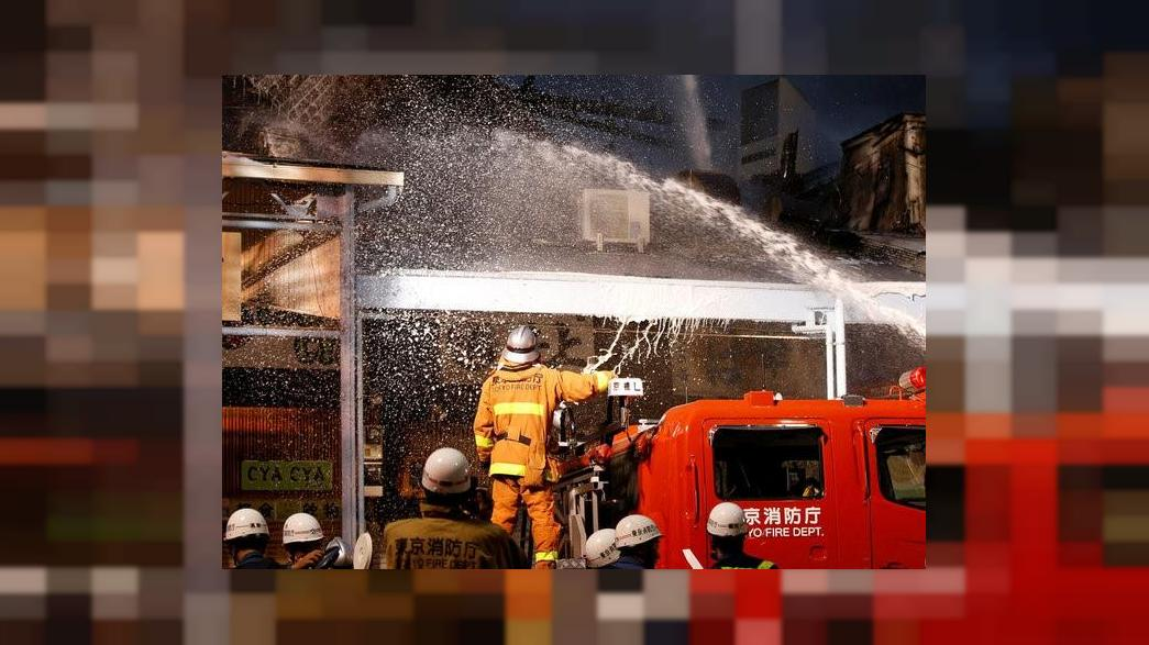 Токио: крупнейший рыбный рынок охватило пламя