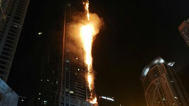 La Torch Tower en feu