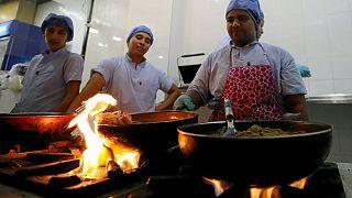 رستورانی مصری که در آن پزشکان جوان آشپزی می کنند