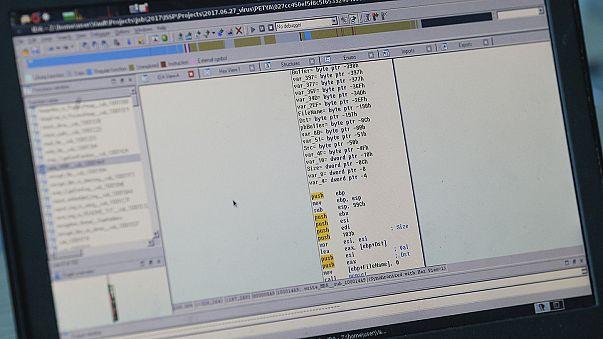 """Компьютерные системы больниц Копенгагена вышли из строя - """"Рейтер"""""""