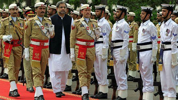 Pakistan'da yeni kabine göreve başladı