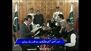 حكومة شاهد خان عباسي تؤدي اليمين الدستورية