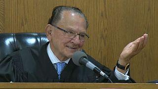 تعرف على القاضي الأمريكي الرحيم فرانك كابريو