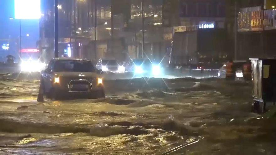 Китай заливают дожди