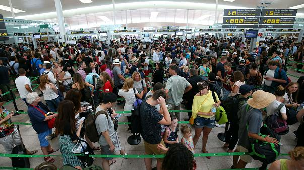 Aeroporti e controlli Schengen: tempi d'attesa più lunghi