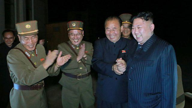 Újabb szankciók Phenjan ellen