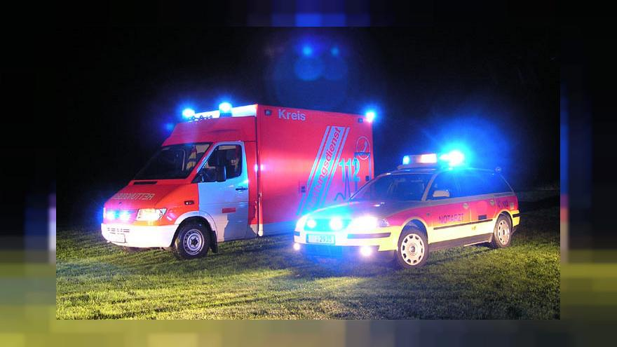 Berlin: Offenbar betrunkener 20-Jähriger rast in Fußgänger - Gaffer sind Problem
