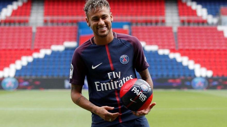 Neymar, presentado ante su afición